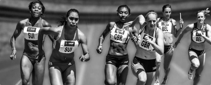 women in a race
